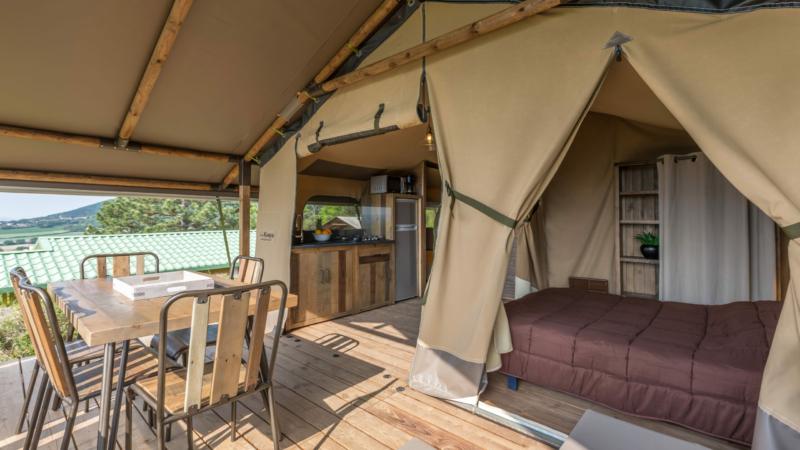 Terrasse et cuisine - Lodge ASTER